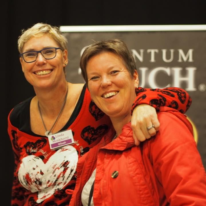 Linda Menkhorst en Claudia Spit